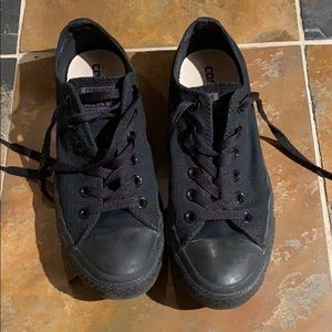 All black converse women's size8